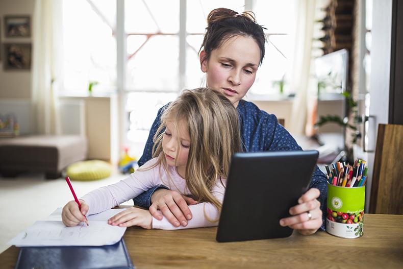 Derechos en el trabajo: un hijo tiene que hacer cuarentena y otras dudas de conciliación en la vuelta al colegio